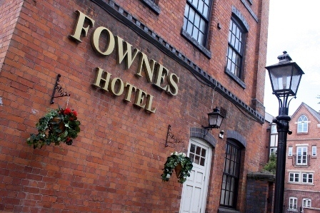 Fownes Hotel